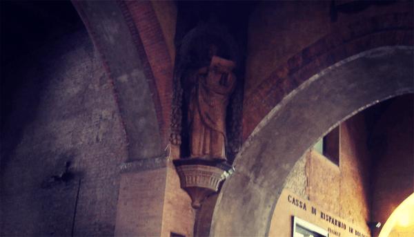 Bologna's Palazzo del Podesta Whispering Corner